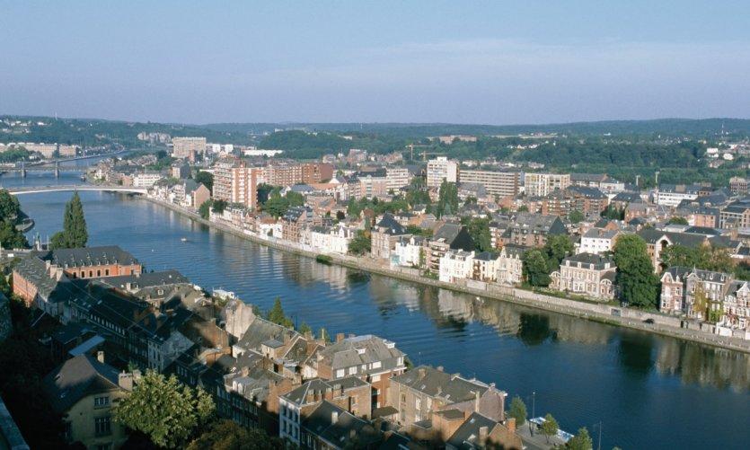 La Meuse traversant Namur.