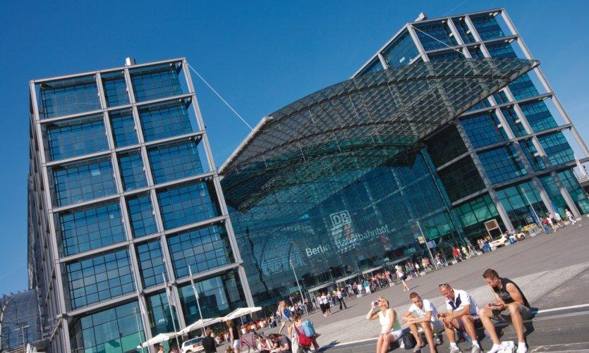 Hauptbahnhof (gare centrale)