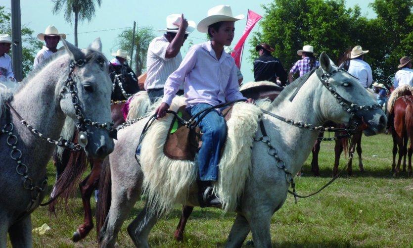 A caballo!