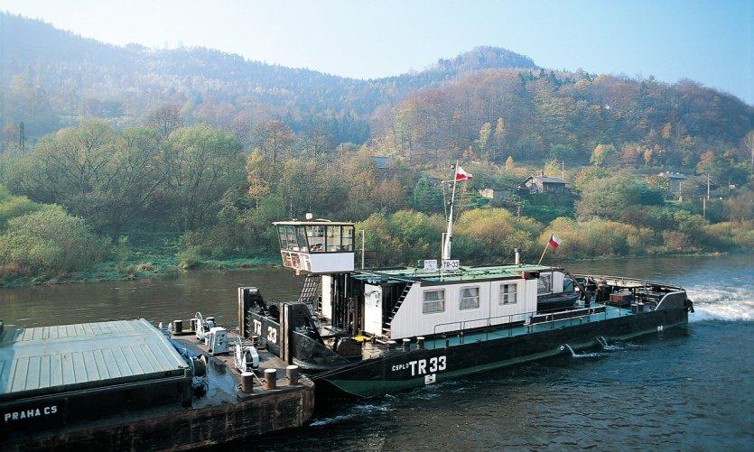 <p>Péniche sur l'Elbe</p>