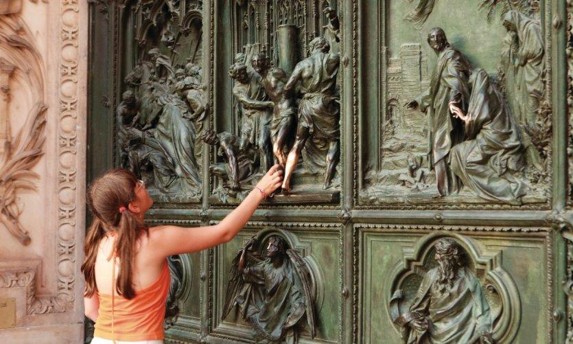 Porte du Duomo de Milan.