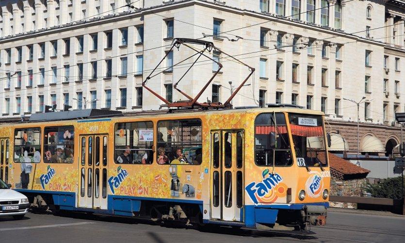 Tramway sur la place Svéta Nedelya.