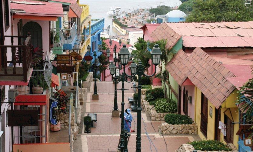Le quartier de Las Peñas s'anime dans la journée avec ses boutiques et cafés.