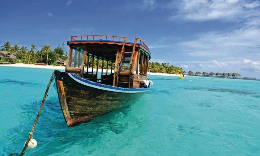 Un dhoni, bateau traditionnel des Maldives.