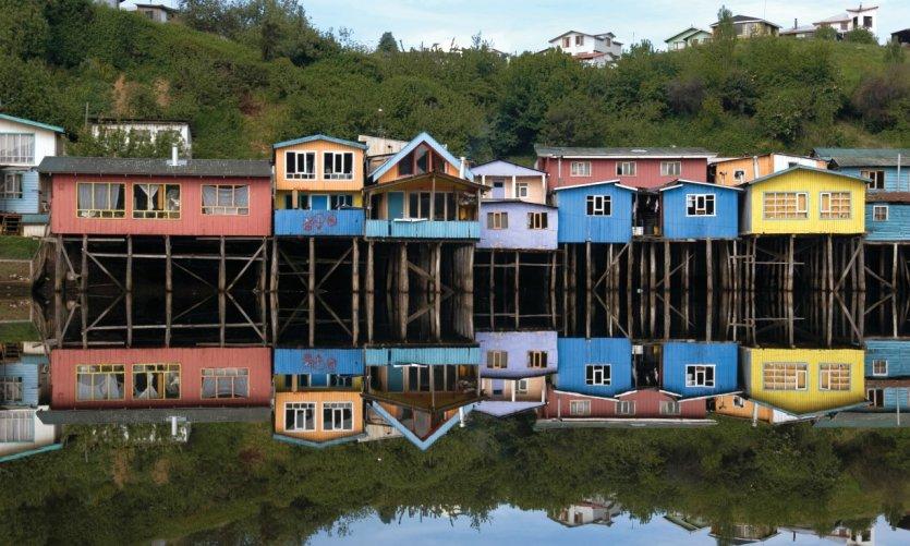 Maisons sur pilotis de l'archipel de Chiloe.