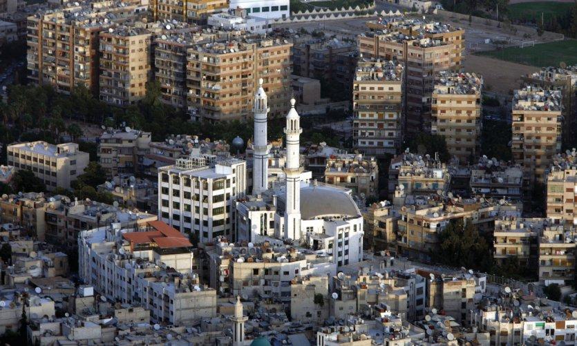 Survol de la ville de Damas.
