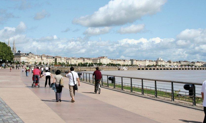 Promenade sur le quai des Chartrons - Bordeaux