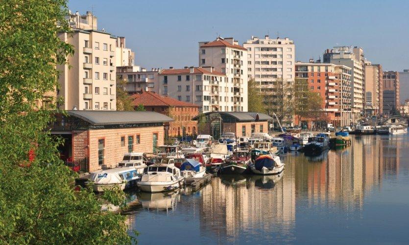 Port Saint-Sauveur sur le Canal du Midi