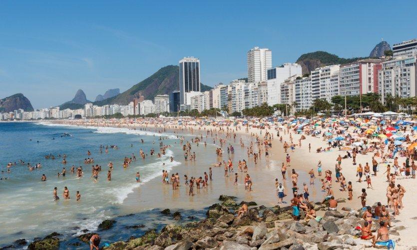 La célèbre plage de Copacabana.