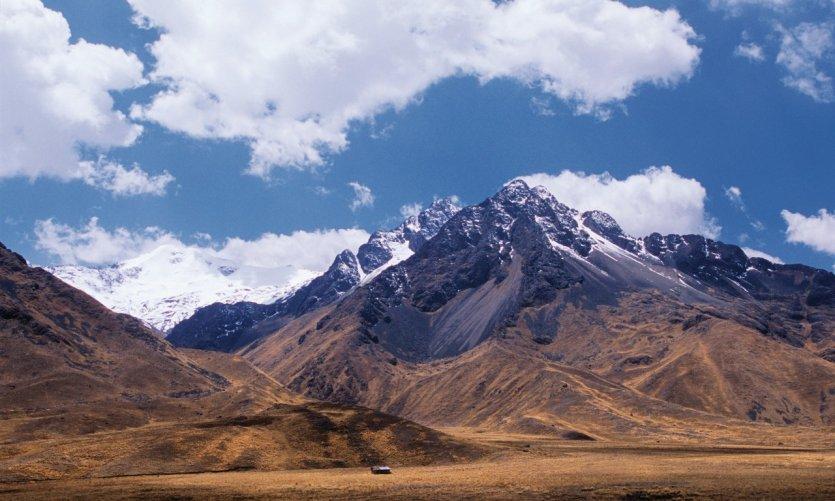 Col de la Raya (4335 m), la porte d'entrée de l'Altiplano.