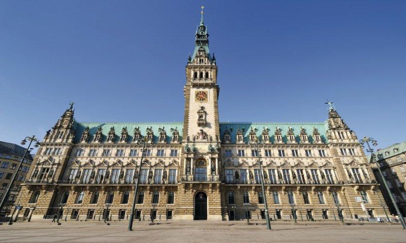 Hamburger Rathaus se situant sur la Rathausmarkt.