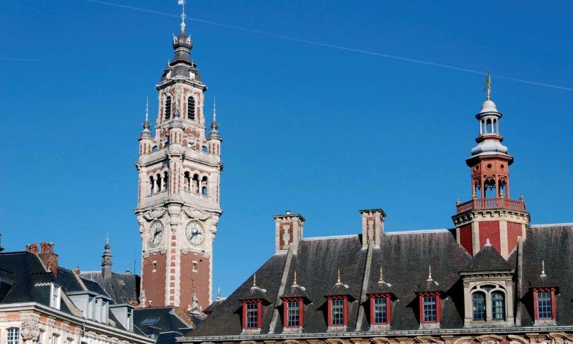 Le beffroi de la Chambre de Commerce et la Vieille Bourse de Lille