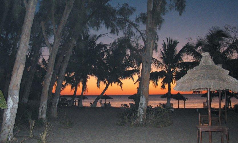 Puesta de sol en la playa de Ifaty