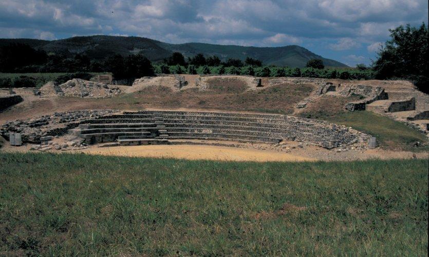 Le théâtre antique d'Alba-la-Romaine
