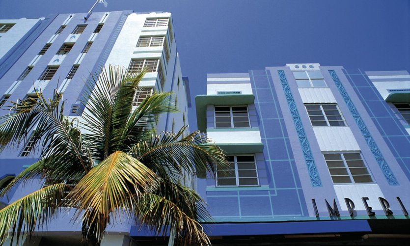 Buildings Art deco on Ocean Drive, Miami Beach.