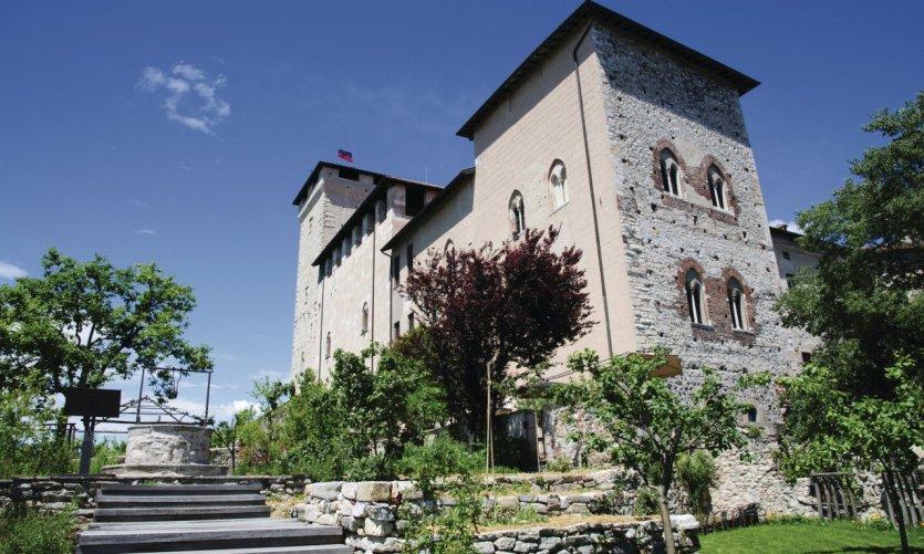 <p>Rocca Borromeo.</p>