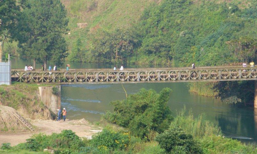 Le pont qui relie Cyangugu (Rusizi) à Bukavu au Congo.