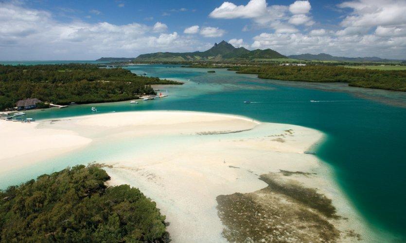 L'île aux Cerfs est inhabitée mais extrêmement touristique.
