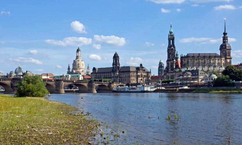 Vue sur Dresde depuis l'Elbe.