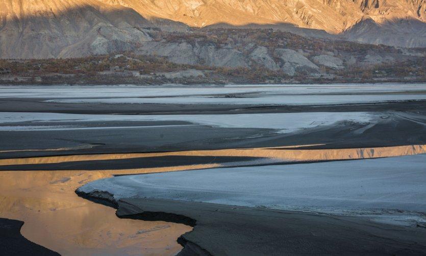 Le fleuve Indus dans la ville de Skardu, Gilgit Baltistan.