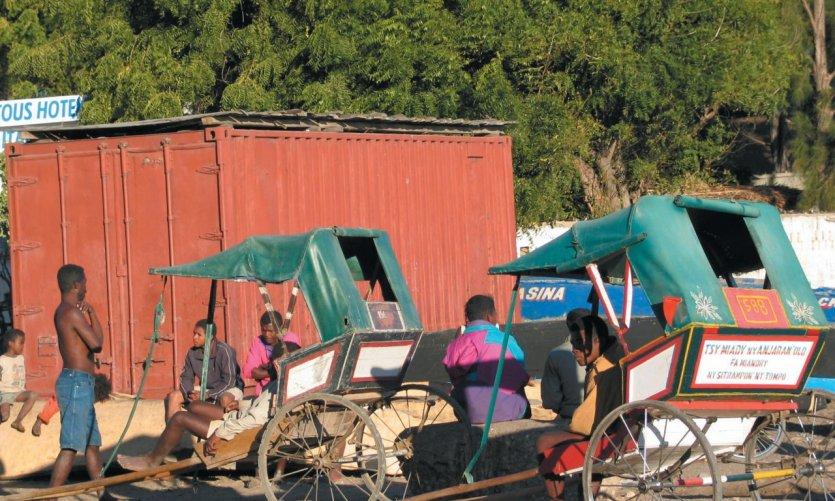 Pouse-pousse près du port de Mahavatse