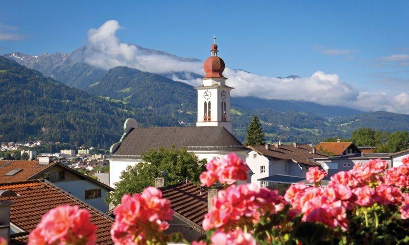 El pueblo de Fritzens, pre 195 s de Hall e Innsbruck.
