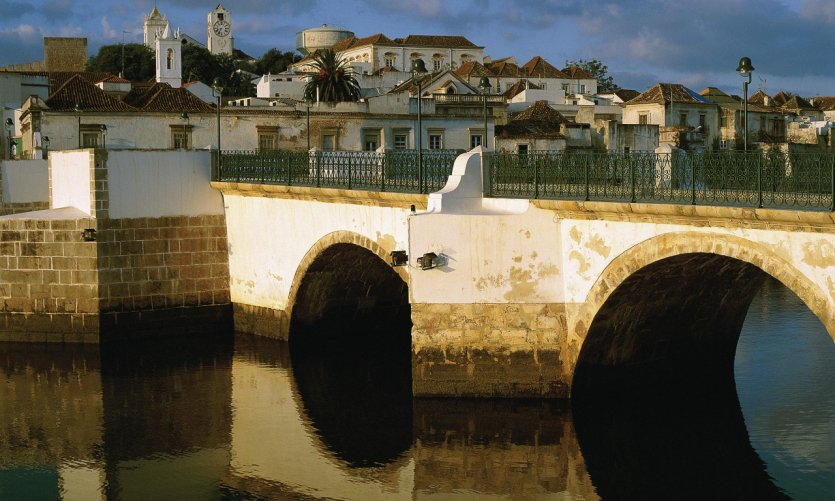 Pont romain à Tavira.