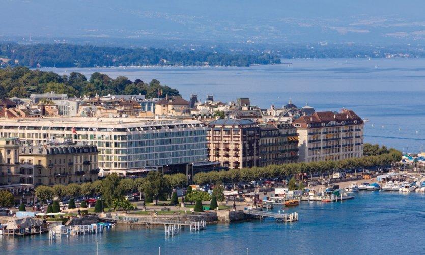 Vue de Genève depuis la cathédrale Saint-Pierre.