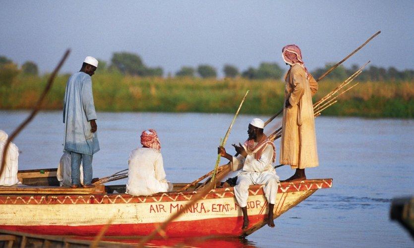 Le débarcadère de Maga sur le fleuve Logone, en direction du Tchad (Ndjaména).