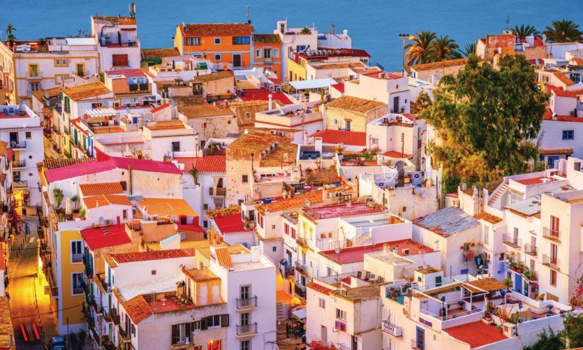 <p>Ibiza and its atypical houses.</p>