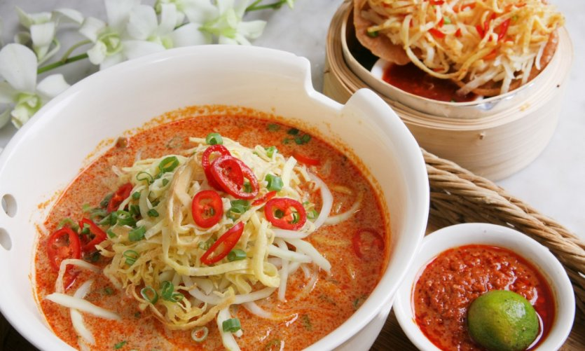 Laksa, repas traditionnel à Singapour.