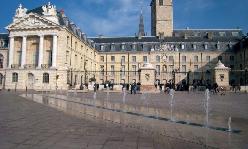 La place de la Libération - Dijon