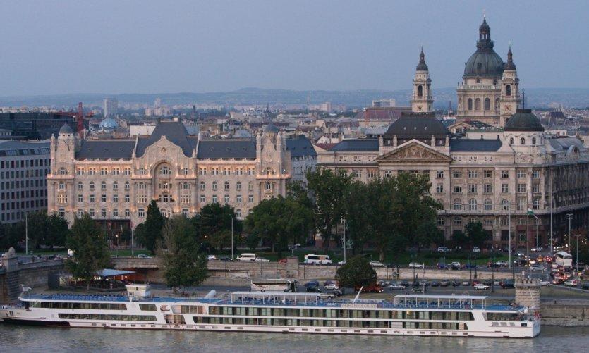 Palais Gresham et basilique Szent István.