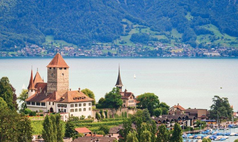 Spiez, sur les rives du lac Thun.