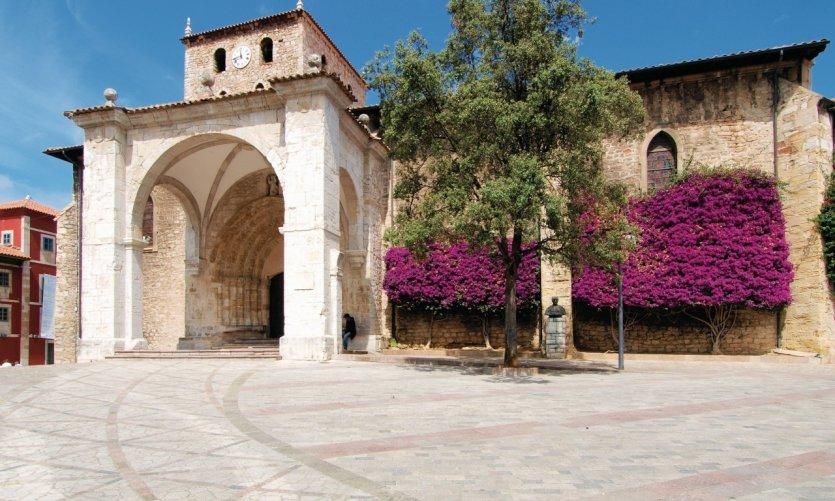 Basilique de Llanes.