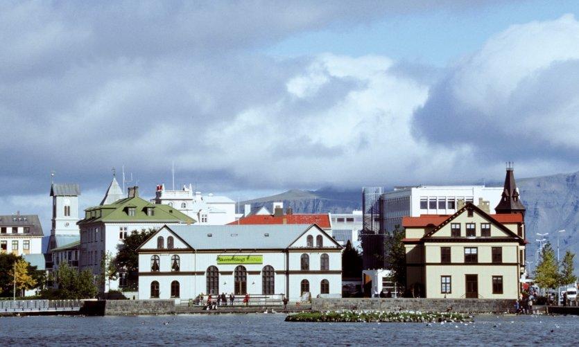 Lac Tjörnin, Tjarnargata.