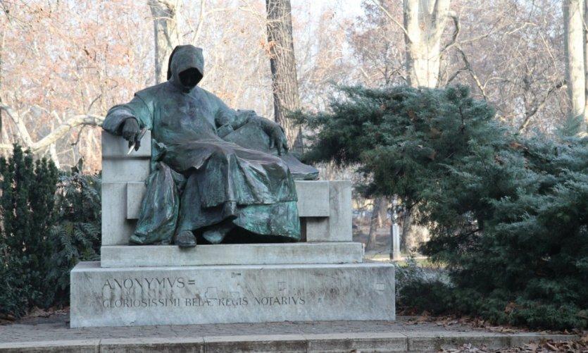 Anonymus est l'ancêtre des historiens de Bupapest, Pest.