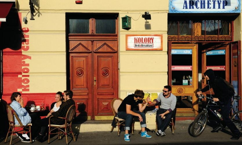 Terrasse de café autour de la place Nowy.