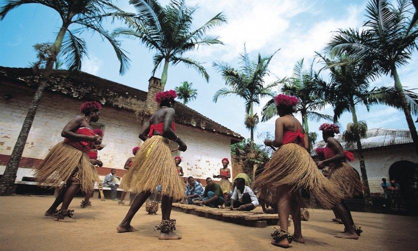 Danse traditionnelle de la chefferie de Bafut.