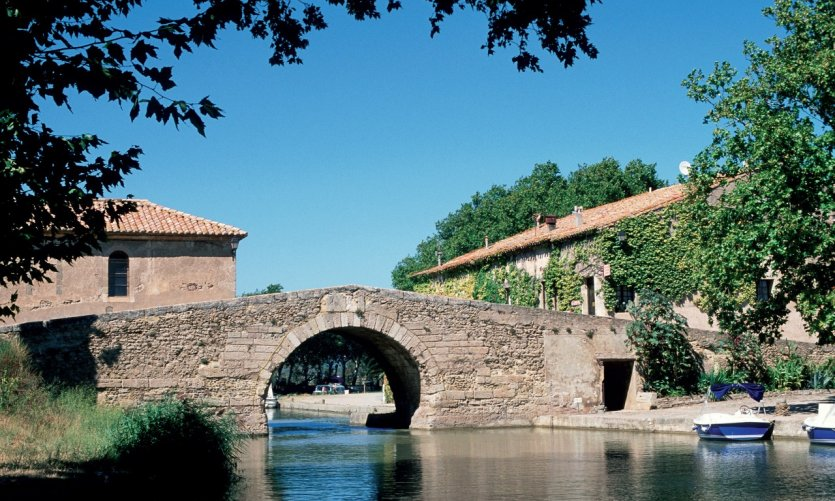 Pont sur le canal du Midi - Le Somail