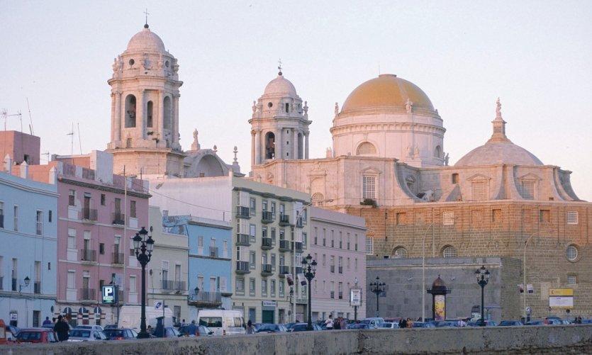 Cathédrale de Cadix et église Santa Cruz.