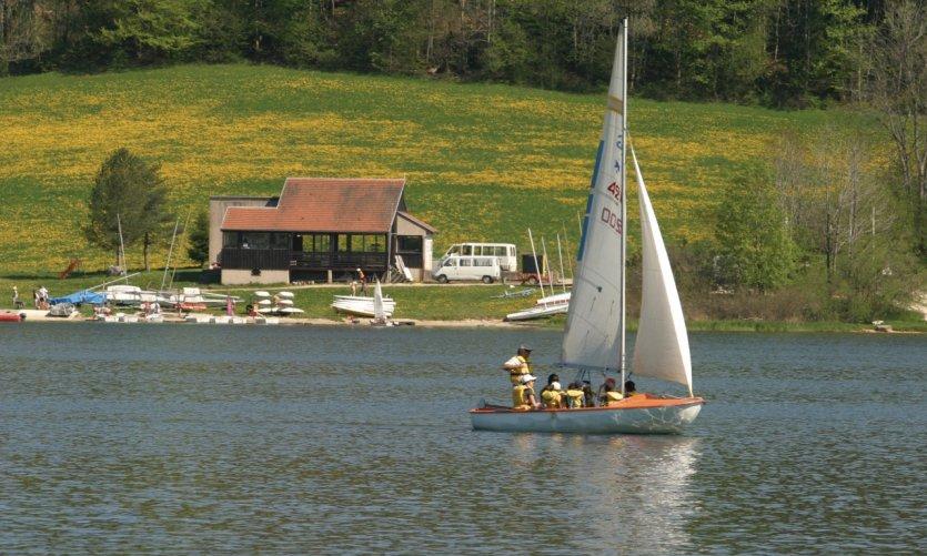 Voile sur le lac de Malbuisson