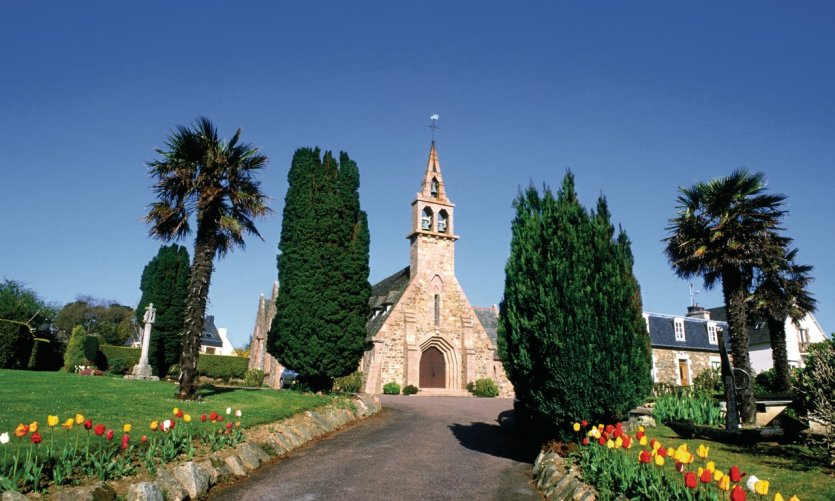L'église de Loguivy-de-la-Mer