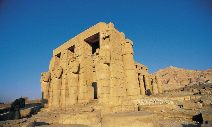 Le Ramesseum, temple de Ramsès II.