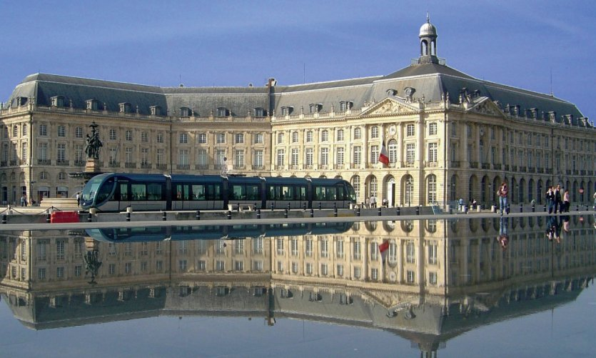 Le miroir d'eau place de la Bourse, à Bordeaux