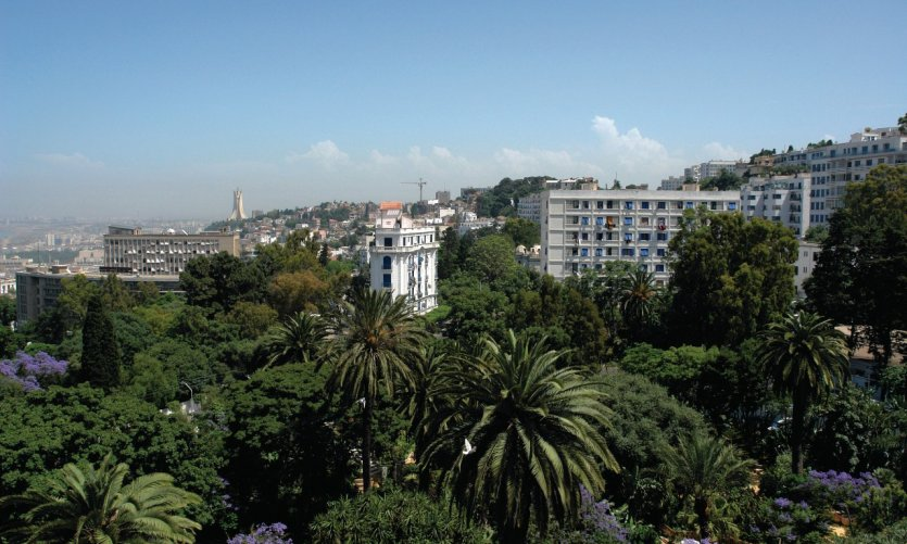 <p>Vue sur le Mustapha supérieur et les quartiers sud depuis l'hôtel Saint-George El Djazaïr.</p>