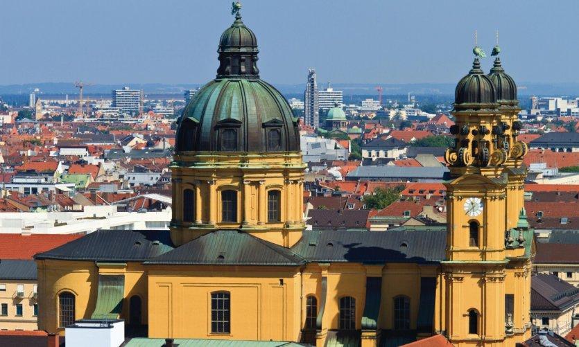 Vue depuis Peterskirche: Theatinerkirche.