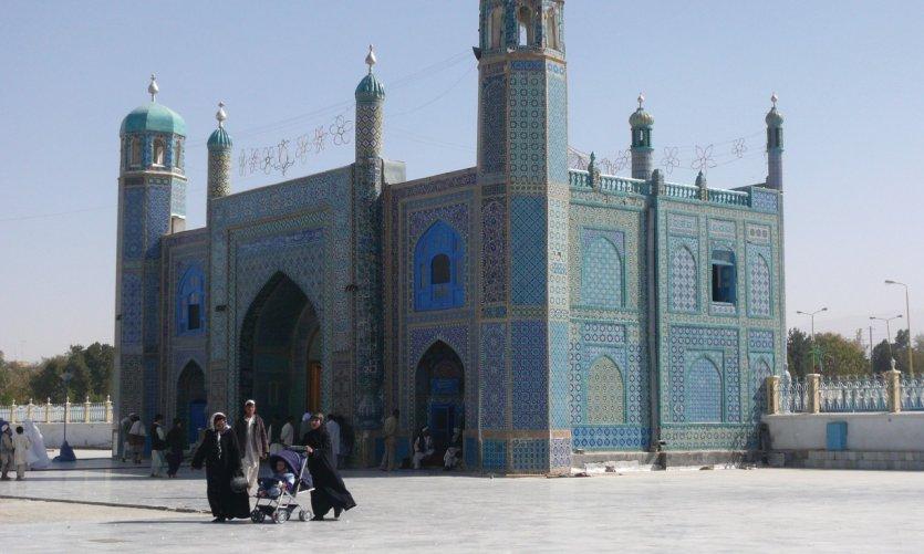 Mosquée de Mazar-e-Charif où se trouve le tombeau d'Hazrat Ali.