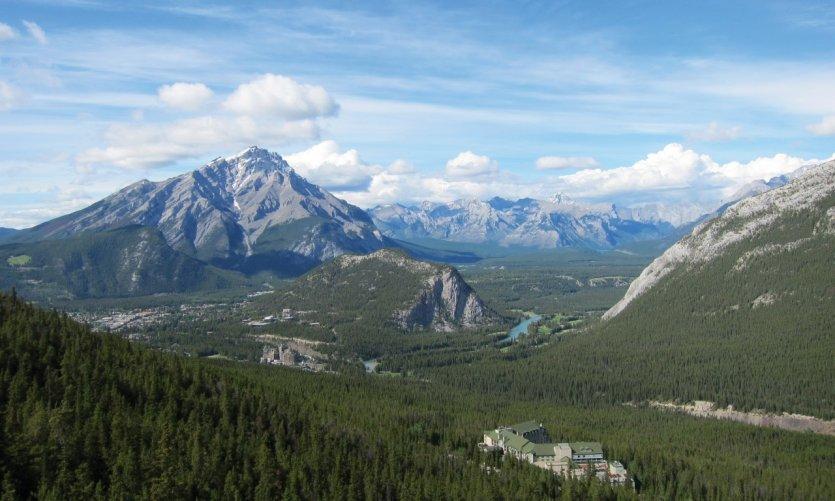Las Rocosas vistas desde la cima de Sulphur Mountain, en Banff.
