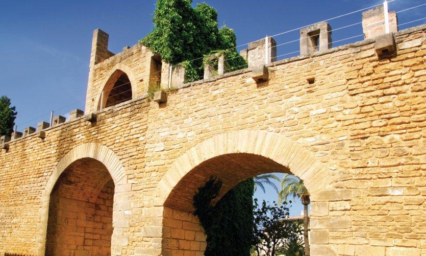Porte de la muraille d'Alcúdia.